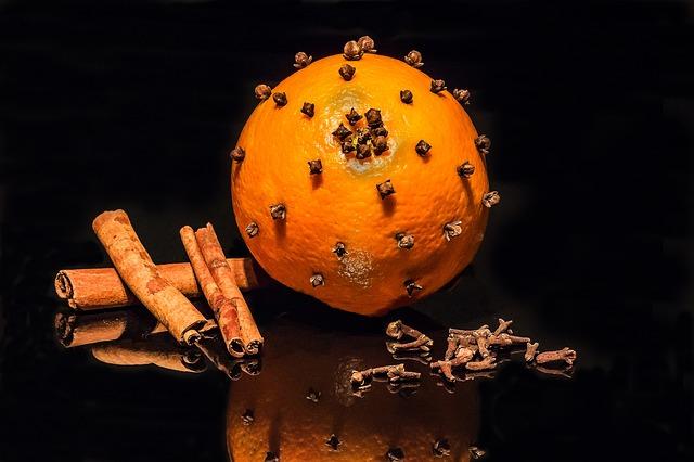 hřebíček v pomeranči
