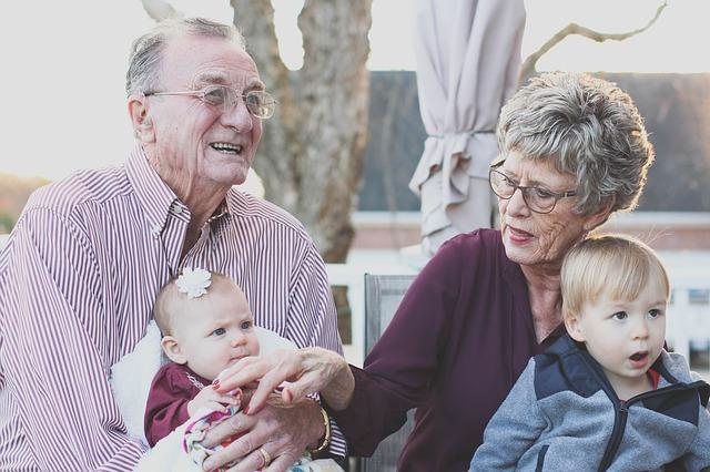 vnoučata a prarodiče.jpg
