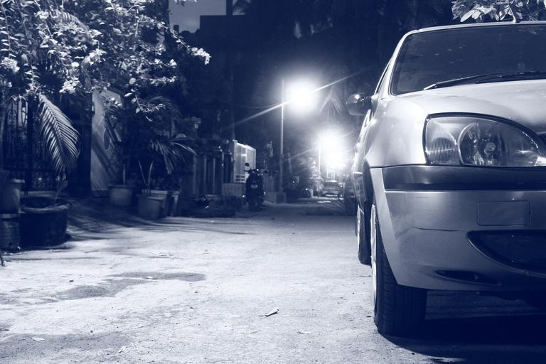 auto v noci
